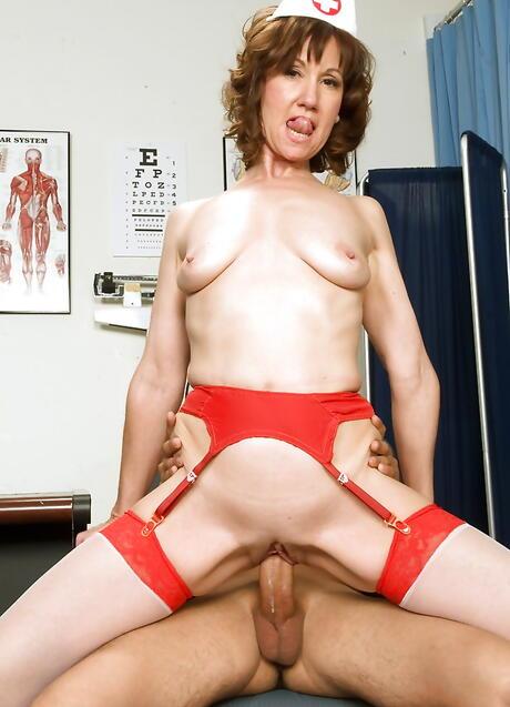 Free Stepmom Porn