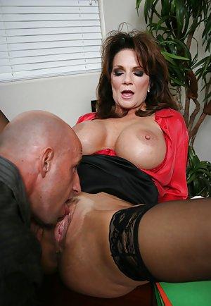 Free Pussy Lick Porn